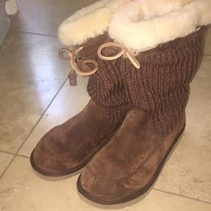 UGG boots with fur cuff!